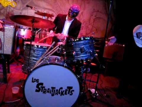 los-straitjackets-sing-sing-sing-unsteadyfreddie-1531604660