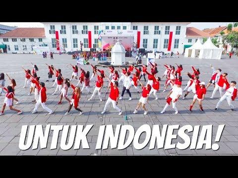 [FLASHMOB DANCE] DARI KAMI UNTUK INDONESIA! HUT RI Ke- 73 ft. SkinnyIndonesian24