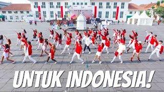 Download lagu [FLASHMOB DANCE] DARI KAMI UNTUK INDONESIA! HUT RI Ke- 73 ft. SkinnyIndonesian24