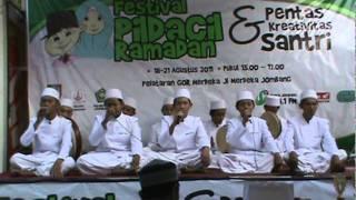 Penampilan Grup Banjari dalam Festival Pildacil Radar Mojokerto 2