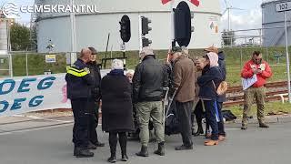 Tankwagens kunnen opnieuw niet lossen door actie bij tankenpark in Farmsum