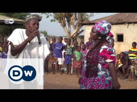 Ghana: Street theater urges people to stay | Global 3000