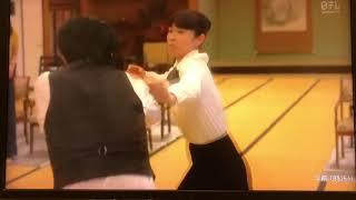 ドラマ 探偵が早すぎる より、水野美紀さんのアクションシーンです。 他...