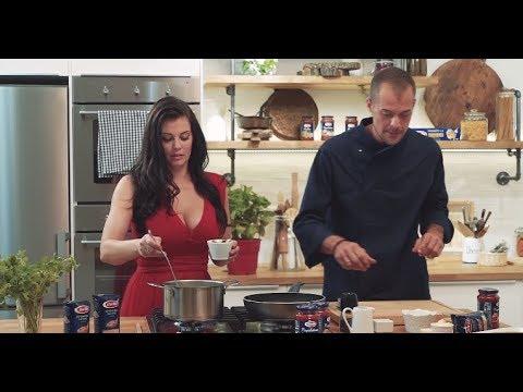 Saltsa Mia –Κριθαρότο με μανιτάρια, λουκάνικο & σάλτσα Napoletana (Επεισόδιο Νο6)