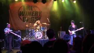 (HD) The Winery Dogs - The Dying. Oct 3, 2013.