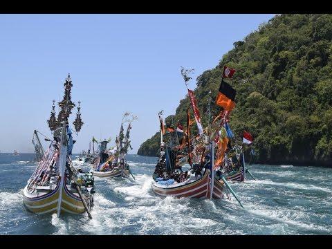 Petik Laut Muncar 2016,Tradisi Sedekah Laut Masyarakat Pesisir Banyuwangi