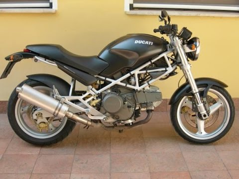 ducati monster 900 exhaust sound and fly by youtube. Black Bedroom Furniture Sets. Home Design Ideas