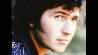 Watch Mac Davis Everybody Loves A Love Song video