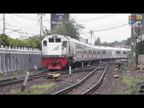 Kereta Ekonomi dan Eksekutif Buatan Indonesia di Yogya