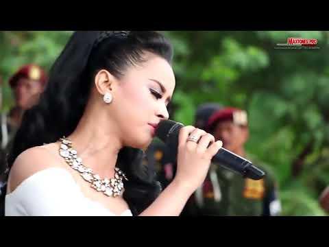 DATANG UNTUK PERGI   Dwi Ratna New Pallapa Live Jatiwangi Bekasi