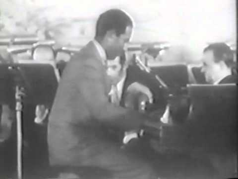 Gershwin plays I Got Rhythm (New York 1931)