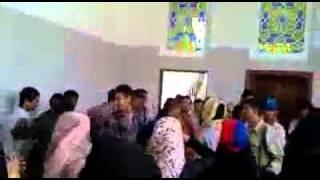 بلاطجة الامن يعتدون ضربا على بنات اليمن ياللعار