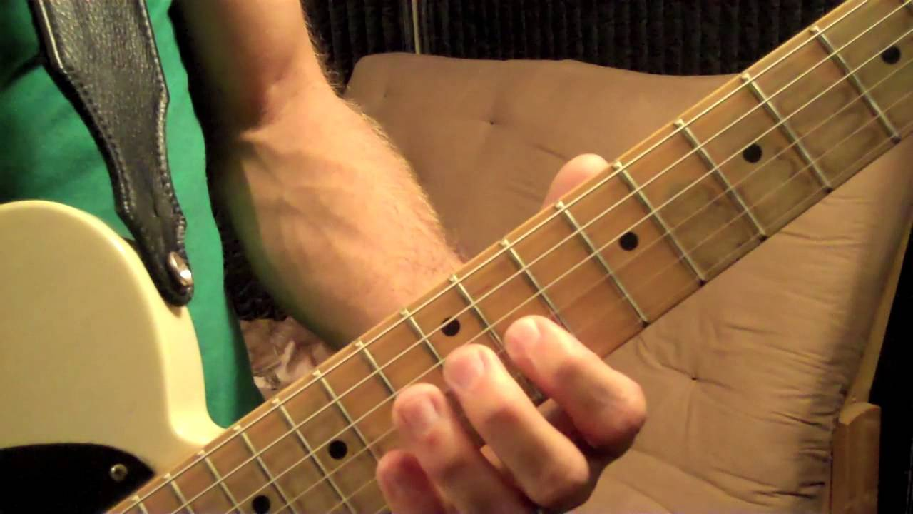 how to play chicken fried on guitar