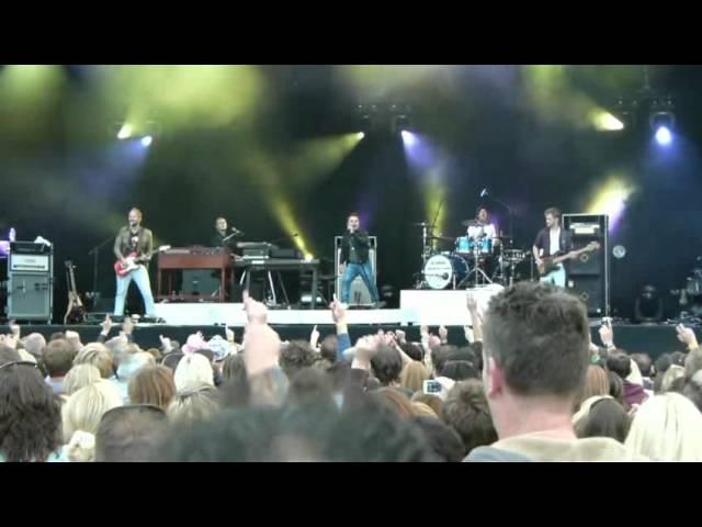 ParkCity Live 2011 - VanVelzen met U2-cover 'Pride'