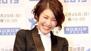 女優の竹内結子さんが12月20日、東京都内で行われたWOWOWのドラマW「三谷幸喜『大空港2013』」試写会に登場。竹内さんは完全ワンシーン・ワンカットで撮影された同 ...