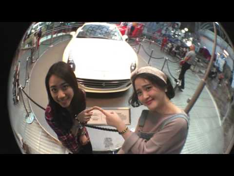 Two crazy girls in Abu Dhabi