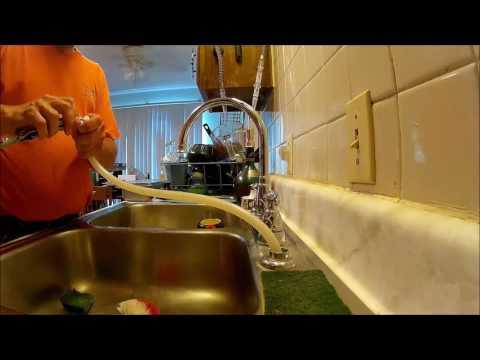 delta faucet sprayer hook up