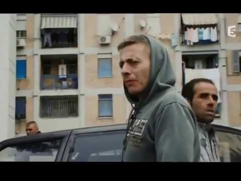 Napoli Italy Camorra Mafia napolitaine immersion trafic dealers   DOCUMENTAIRE EN Français HD