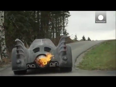 Austrian fan recreates 1989 Batmobile replica and other star cars