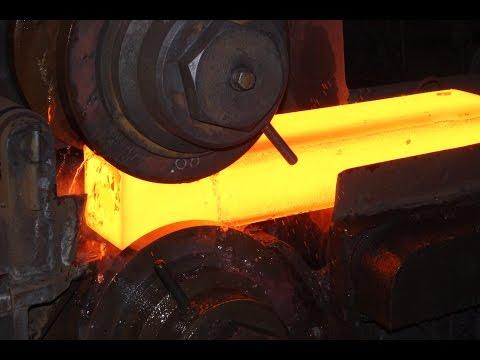 Proces produkcji rur stalowych bez szwu.