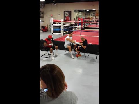 Wild scene in boxing gym: Briggs throws shoe at heavyweight champion Klitschko