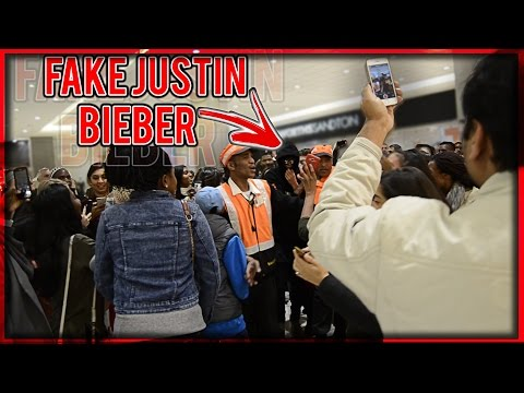 JUSTIN BIEBER LOOK-A-LIKE PRANK SOUTH AFRICA!!! | Entire Mall Attracted | Mall Security Called!
