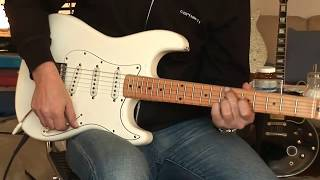 Repeat youtube video 1982 Tokai Springy Sound ST-50, Part2