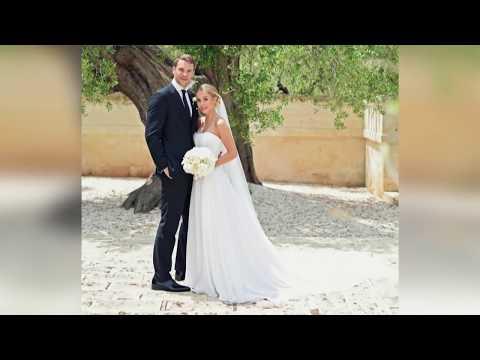 In Monpoli: Manuel Neuer humpelt glücklich zum Traualtar