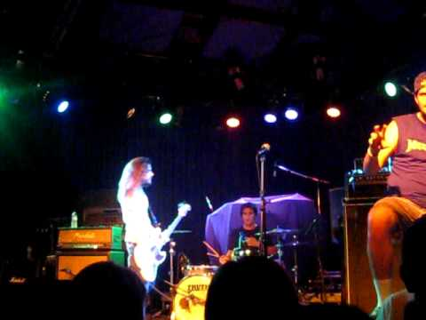 Destroy The Runner-Isabella's (Live at the Glass House 7/25/09)