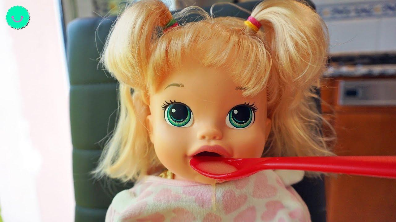 Sara come Sopita en su rutina de noche Muñecas Baby Alive