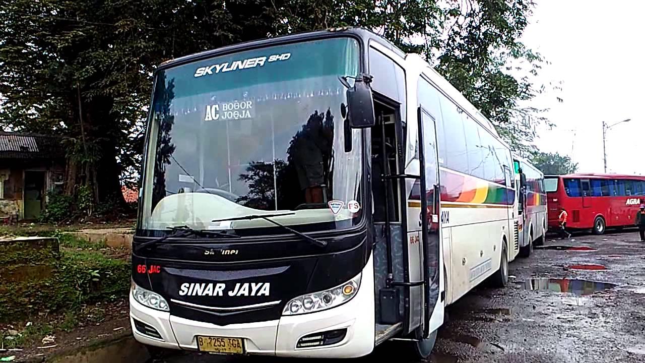 Penampakan Bus Sinar Jaya Skyliner Shd By Me By Bayu Transspotter Jogja