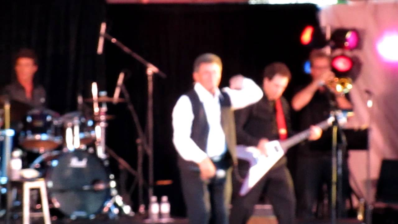 frankie-avalon-california-sun-live-08-27-11-chris-lampton