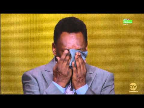 Pele crying when receiving FIFA Ballon d'Or 2013