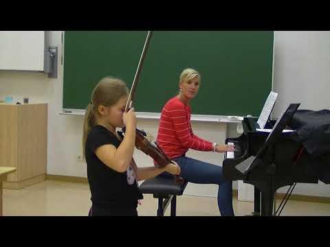 Valerie Bischof, Violine