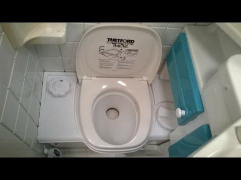 Chemie Toilette im Wohnwagen / Thetford