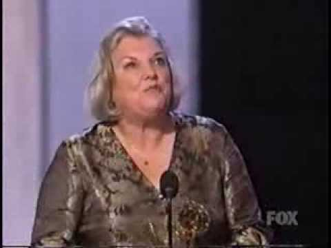 Tyne Daly wins 2003 Emmy Award for Supporting Actress in a Drama Series