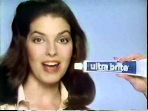 Q: Who is the hot girl in the Colgate Optic White toothpaste commercial? A: Caroline Ford Caroline is an actress/model from the United Kingdom. This is her official website.