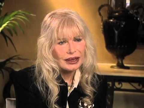 """Loretta Swit on """"Major Margaret Houlihan"""" - EMMYTVLEGENDS.ORG"""