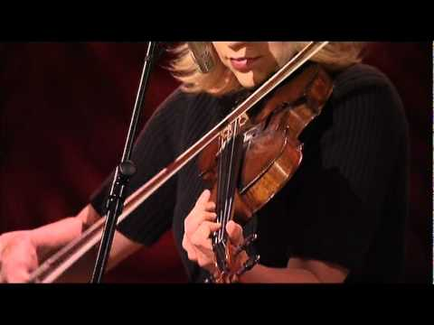 Alison Krauss and Union Station   Tiny broken heart