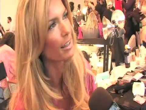 MARISA MILLER @ Victoria's Secret Fashion Show 2008