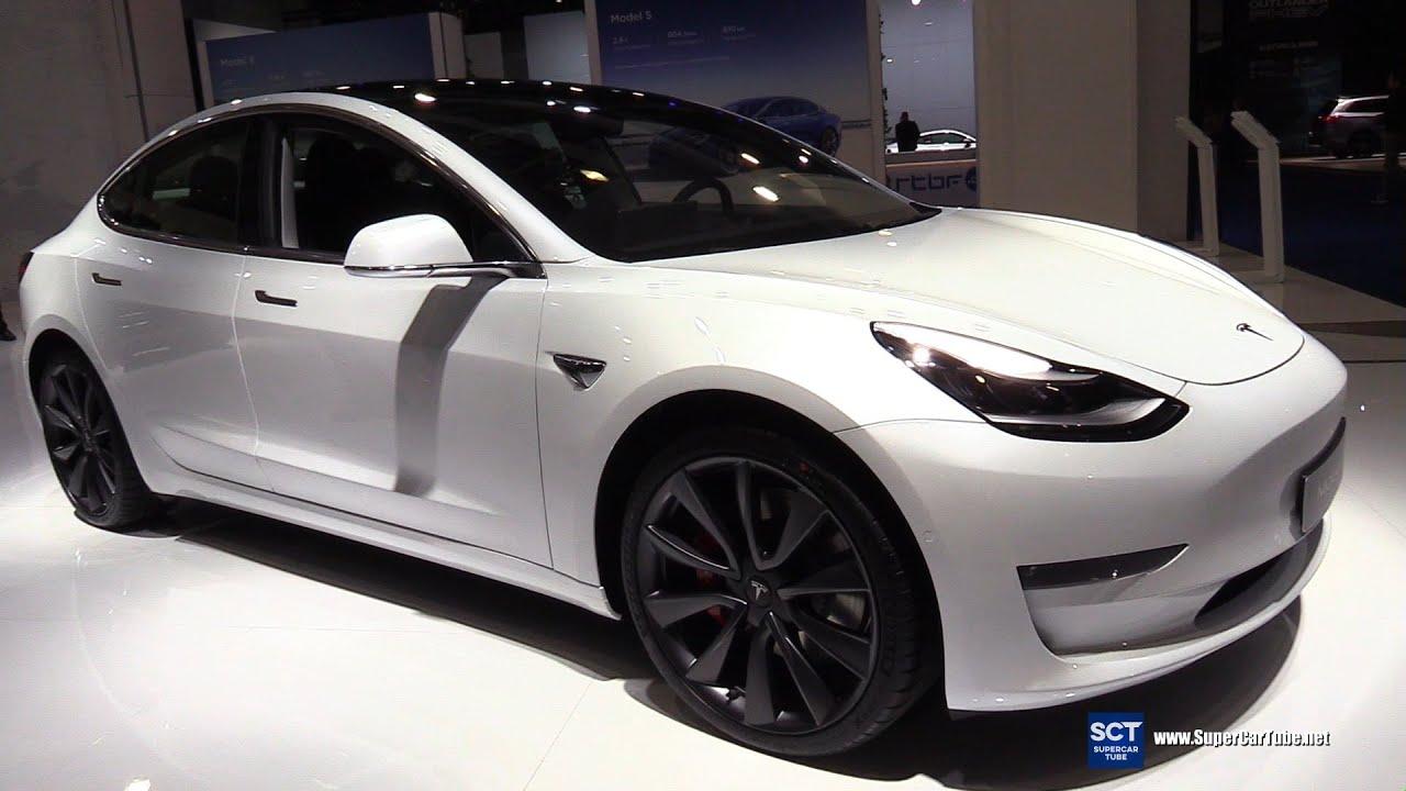 Cận cảnh chiếc xe Tesla Model 3