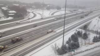 Kar Temizleme İşi Kanada'lılardan Sorulur