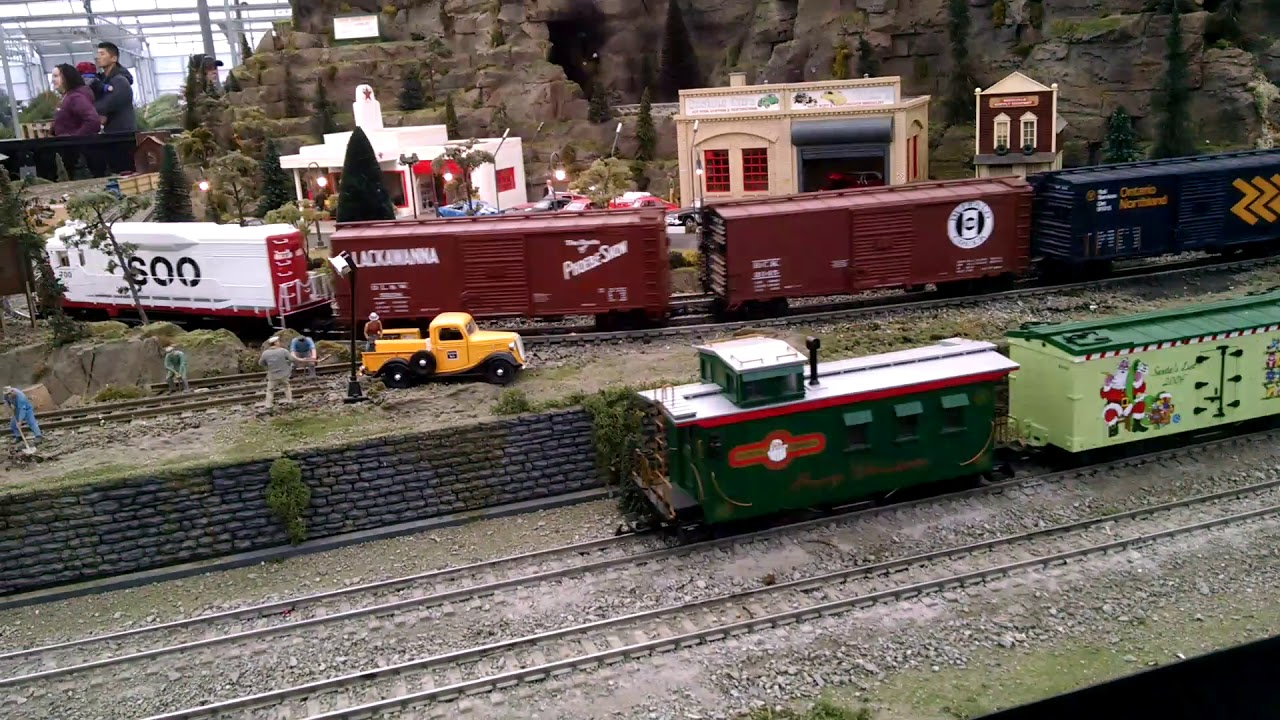 Model Train Set At The Garden Factory In Gates Chili