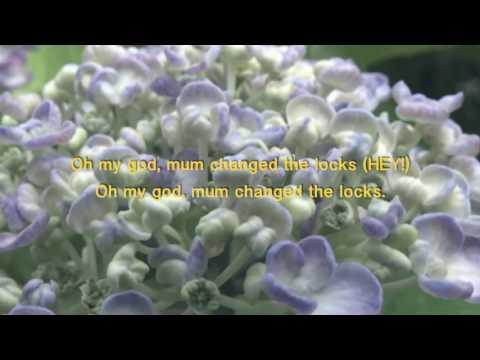 Frenzal Rhomb karaoke - Mum Changed the Locks [karaoke version with lyrics]