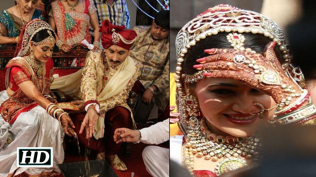 Dayaben aka Disha Vakani Gets Married: Inside Video - YouTube Taarak Mehta Ka Ooltah Chashmah Babita Hot