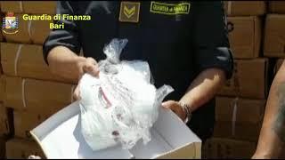 Porto di Bari, sequestrate oltre 6 mila paia di scarpe contraffatte
