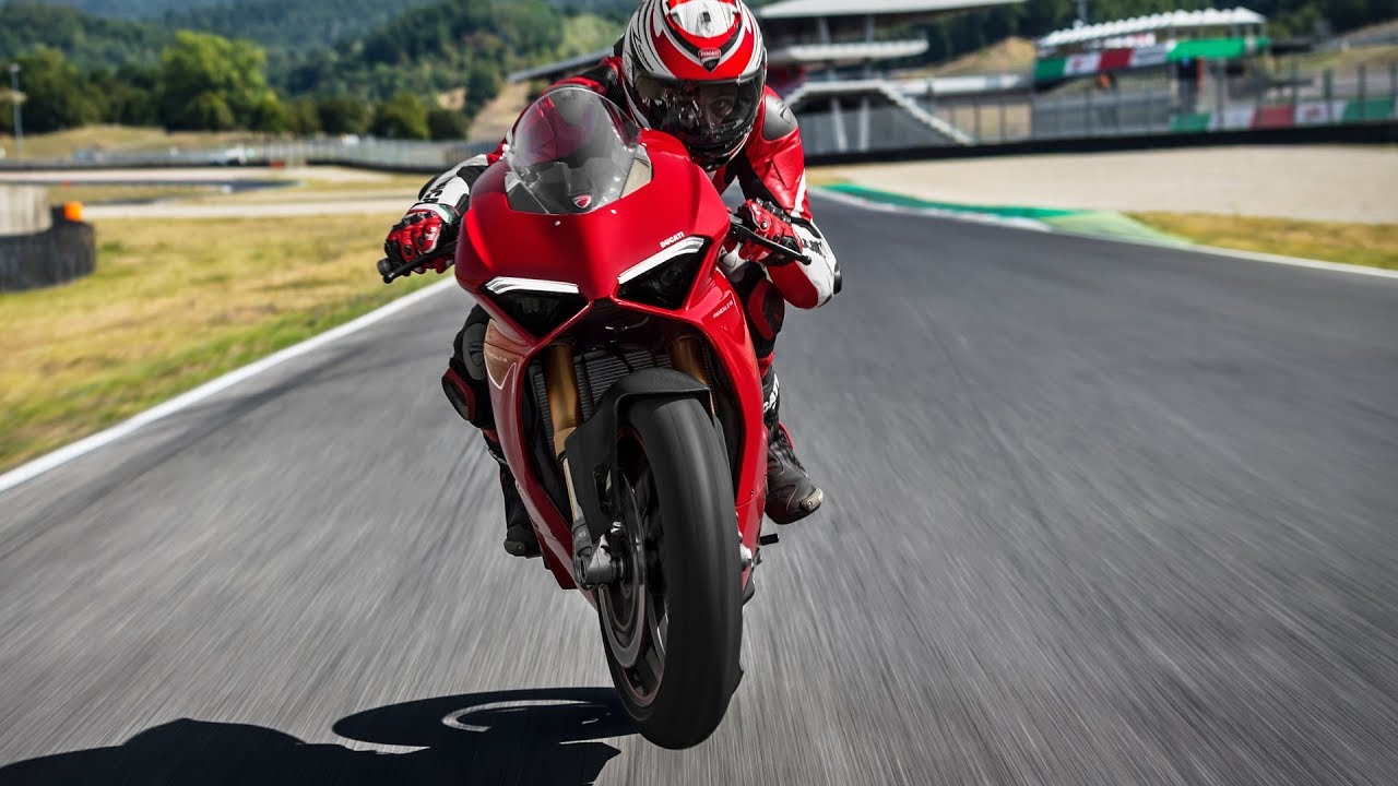 Ducati Panigale V4 (2018) Style and Performance - Dauer: 2 Minuten, 50 Sekunden