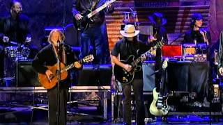 Willie Nelson - Pancho and Lefty (Live at Farm Aid 2004)