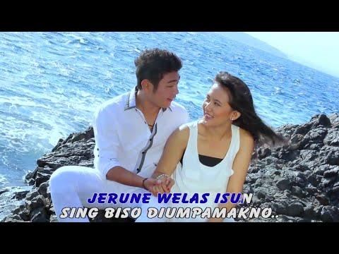 NANDA FERARO - NGUKIR JANJI LAGU ROMANTIS - [Officialo Video]