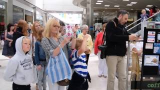 Video Flash Mob at Swansea's Quadrant shopping centre with Dunvant Choir download MP3, 3GP, MP4, WEBM, AVI, FLV Oktober 2018